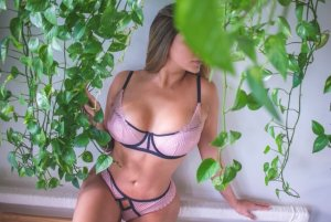 Pricillia escort girl and nuru massage