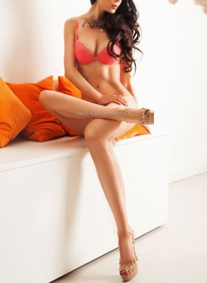 Zaho erotic massage and escort