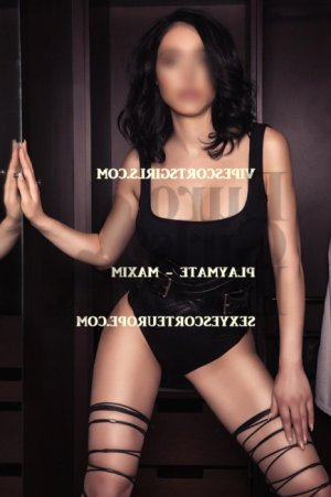 Marie-joele happy ending massage & live escort