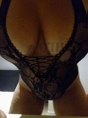 Lou-hann nuru massage & escort girl