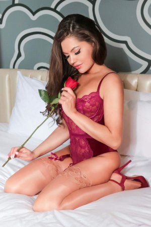 Edline live escort in Oakton VA & nuru massage