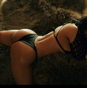 Liselle erotic massage in Ridgefield